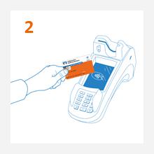 2. Schritt: Kunde hält kontaktlose girocard V PAY ans Kartenlesegerät